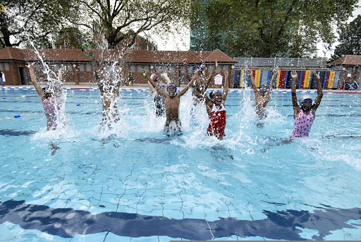 London Fields lido is open again!